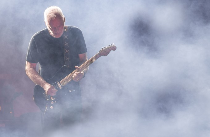 David Gilmour at Pompei by JayLawler - On Stage Photo Contest