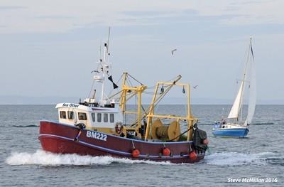 Sea Otter, medium-sized Brixham trawler heading for home