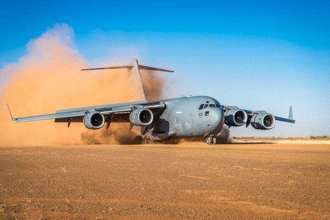 C17 by StephanSmiT - Aircraft Photo Contest