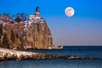 Split Rock Lighthouse moonrise