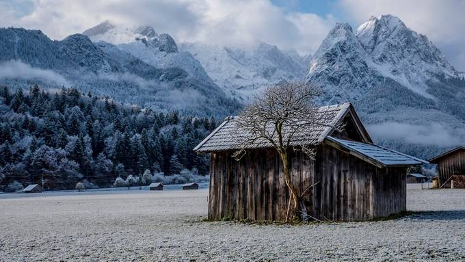 Home by corbinianbookmountain - Isolated Cabins Photo Contest