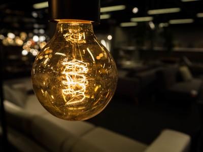 The lonely lightbulb