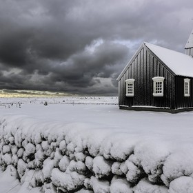During my last trip to Iceland, I could not resist the temptation to go photograph the most famous church in the deserted village of Budir. The I...