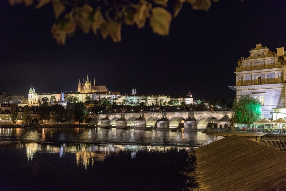 THE CHARLES BRIDGE. PRAGUE