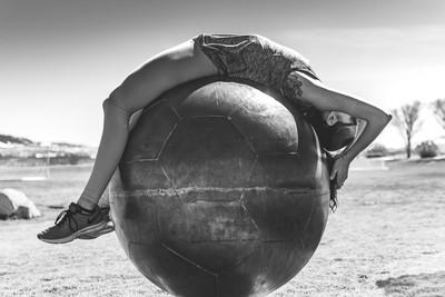 Ball Bend BnW