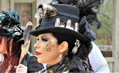 IMG_9310, Lady, Steampunk hat, Old Tucson Movie Studios, 3 Mar 17