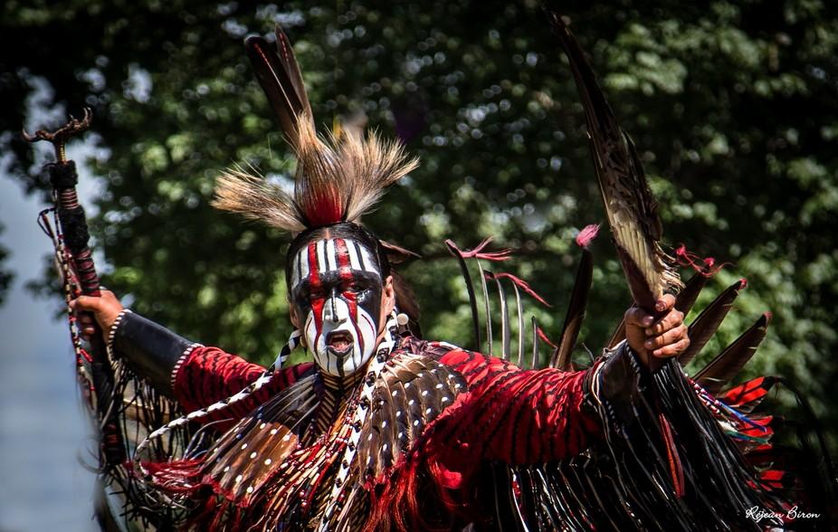 Kahnawake PowWow Jerry Hunter  Danseur traditionnel autochtone  https://www.facebook.com/pg/Jerry...