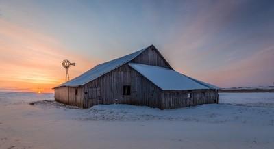 winter sunrise barn_