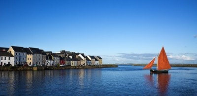 Hooker at the Claddagh