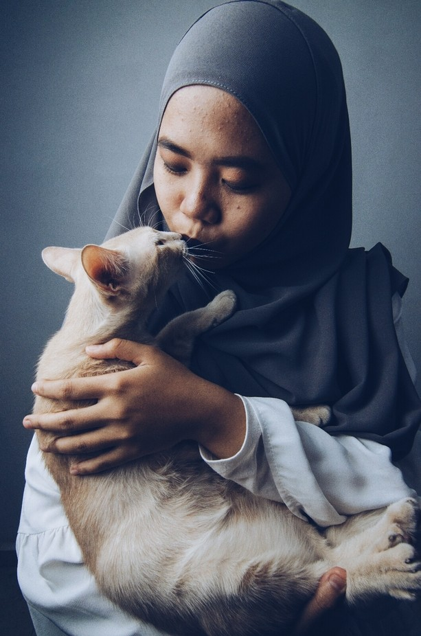 pet & girl by shidah - People And Animals Photo Contest