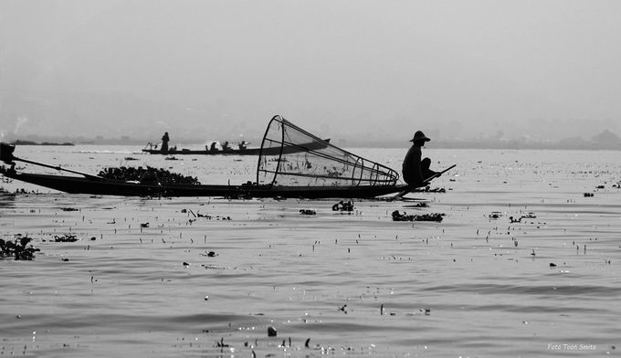 Fisherman Inle lake DSC00710 zwart-wit by toonsmits - Ships And Boats Photo Contest
