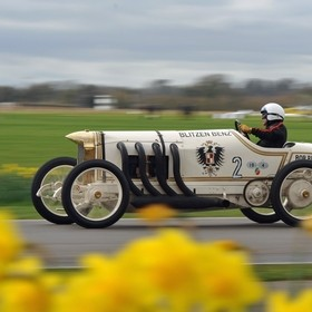 Hermann Layher in action with his 1909 Blitzen Benz at the 75th Goodwood Members' Meeting, Sussex, UK. Lens: Sigma 70-200 f2.8
