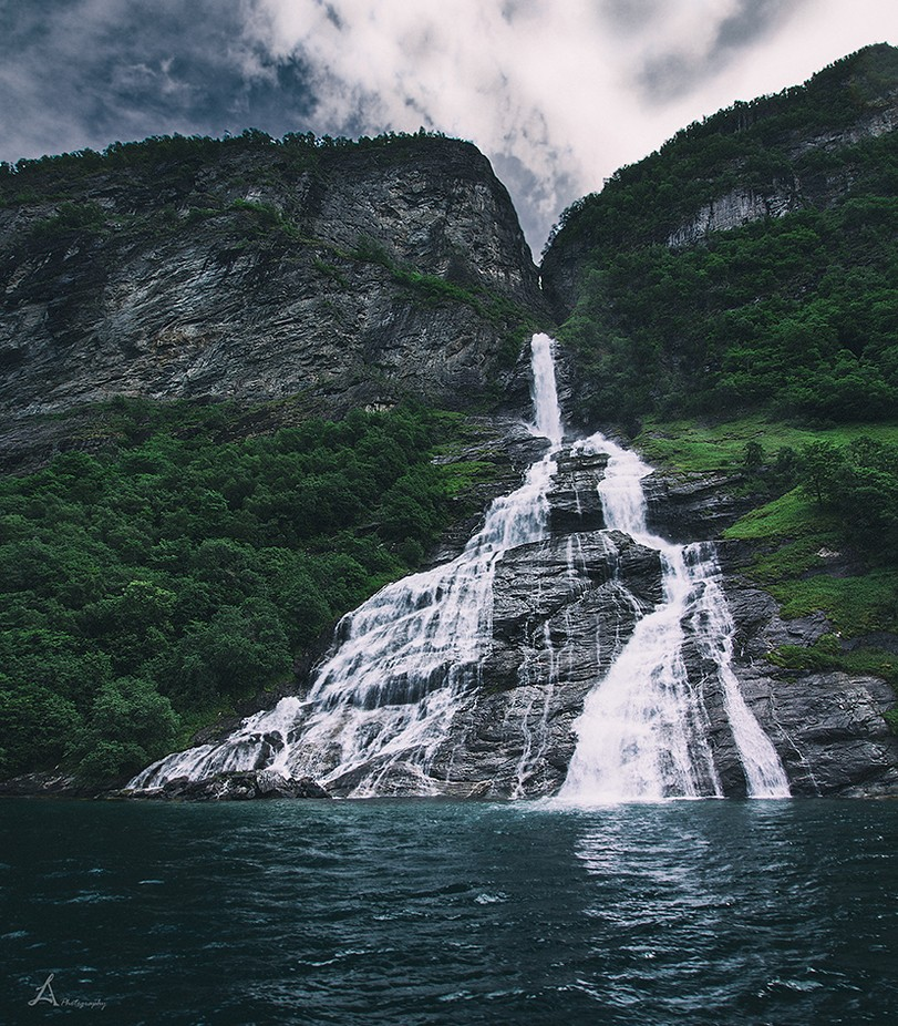 The Suitor waterfall, Geirangerfjord, Norway by arnaslucinskas - Spectacular Cliffs Photo Contest