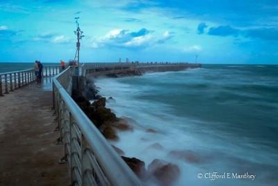 Strong Waves Sebastian Inlet
