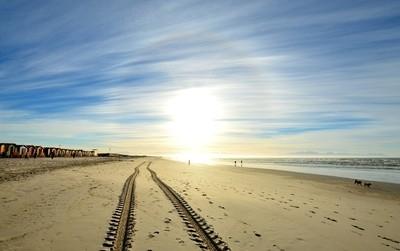 Sun on the tracks