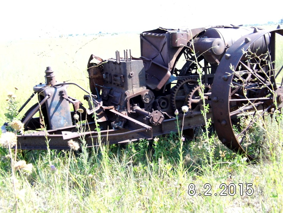Country drive and found this old piece of farm equipment
