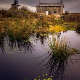 Here you have the Nun's Cross Farm in Dartmoor, UK. An old structure, built in the open fields of the national park. I wonder how was to liv...
