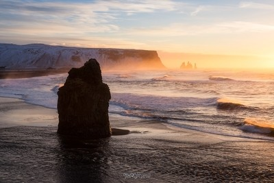 Light on Reynisfjara beach