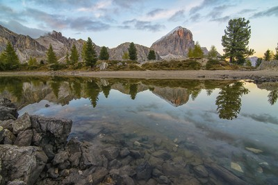the mirror in dolomites