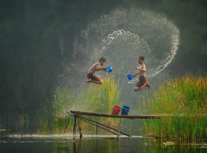 Water War by pimpin_nagawan - Kids And Water Photo Contest