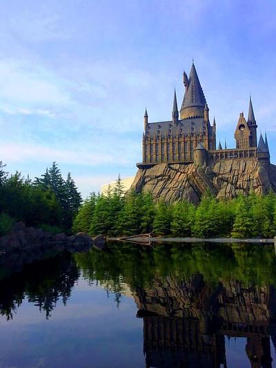 Hogwarts will always be my home. Taken at Universal Studios, Osaka.