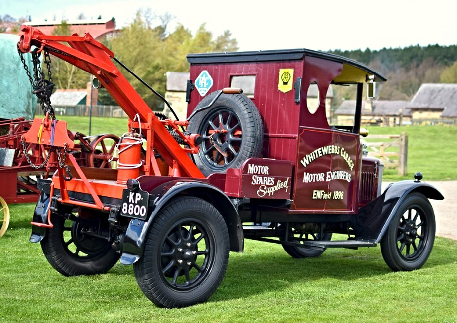 Vintage Tow Truck 1
