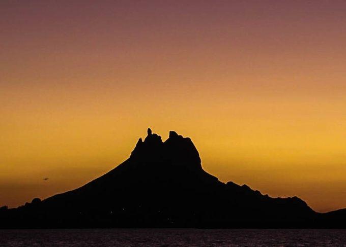 Tetakawi silhouette (1 of 1)