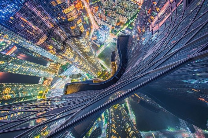 Scared of Heights by albertdros - Science Fiction Photo Contest