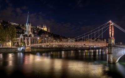 St-Georges bridge by night at Lyon