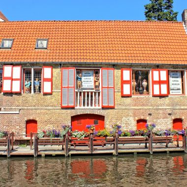 I took this photo while me and my family were visiting Bruges, in Belgium in the year 2012.