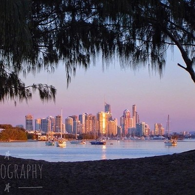 A sneaky view of the Gold Coast #sunset #waterview #discovergoldcoast #queensland_captures #loveyouqueensland #thisisqueensland #discoverqueensland #visitqueensland #australiagram #focusaustralia #ig_discover_australia #australia_shotz #ig_down_under #ig_