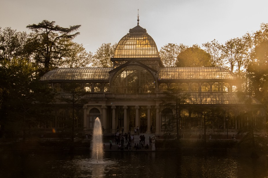 What a place to spend a sunset with! The Retiro park in Madrid is one of the best parks that I&am...
