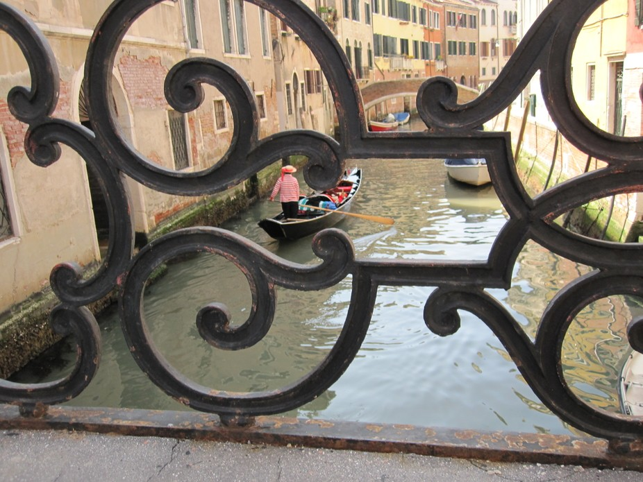 One have to be patient in order to get hold of magic moment in Venice