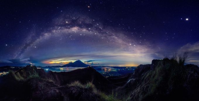 On Top of Bali by iwangroot