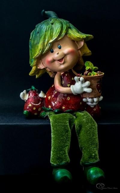 Matecsa Elemer Istvan_- Porcelain figurines-(v)4563