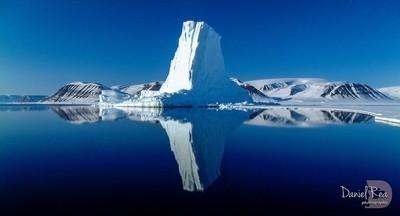 Iceberg Reflections GL6153