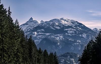 Mount Crumpit. Stawamus Squaw and Mount Habrich
