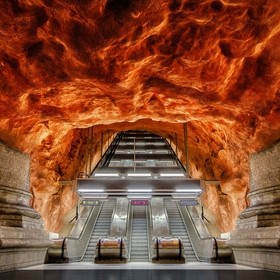 As written at the last picture, since a long time I wanted to visit Stockholm to shoot the world known metro stations. Almost every station is pa...