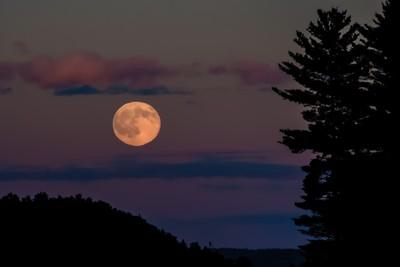 Distorted Moonrise