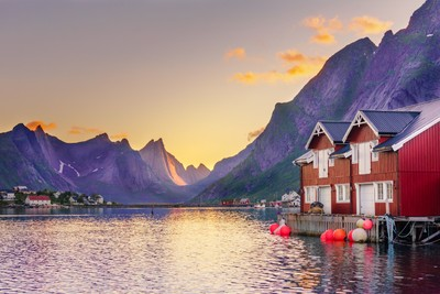 White night in Reine