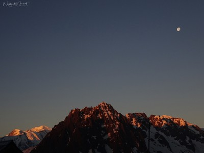 Moon rising over the Mont-Blanc