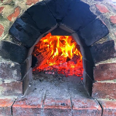 There's nothing like a warm fire on a cold autumn morning #fire #firepit #pizzaoven #bricks #brickoven #discovertasmania #tasmaniagram #hobartandbeyond #instatassie #tassiepics #tassie #hobart #southerntasmania  #tassiestyle #australiagram #focusaust