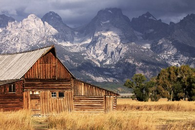 Grand Teton barn1