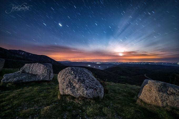 Puesta de luna by josedevesa - The Moonlight Photo Contest