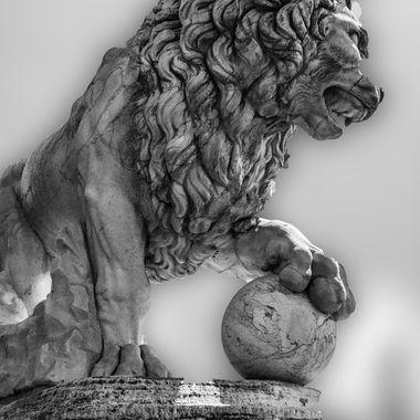 Vacca's lion in the Loggia dei Lanzi n Firenze.
