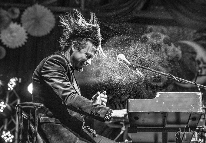 Lachy Doley by JRosewarne - Music And Concerts Photo Contest
