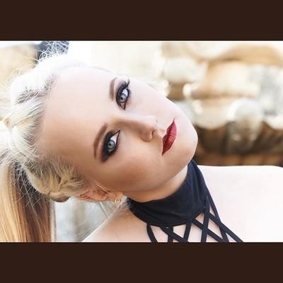 Battle of the Muah's and Henna Artist on 22APR2017 in Mississauga #wksbyks #hennatattoo #henna #muah #flowers #makeup #portraiture #portrait #earrings #makeupartistry #makeupartist #hairstyles #closedeyes #eyemakeup #eyeshadowBattle of the Muah'