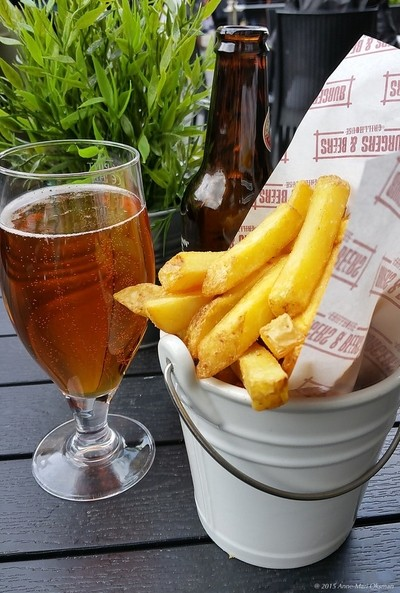 Quick snack of chips and beer