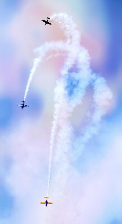 Aerobatics Trio