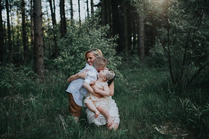 by Thughes87 - Motherhood Photo Contest 2017